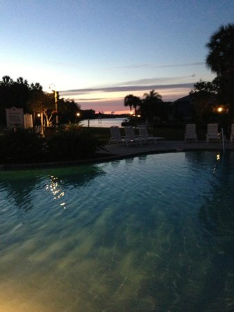 Plantation on Crystal River: Beautiful pool right on the river