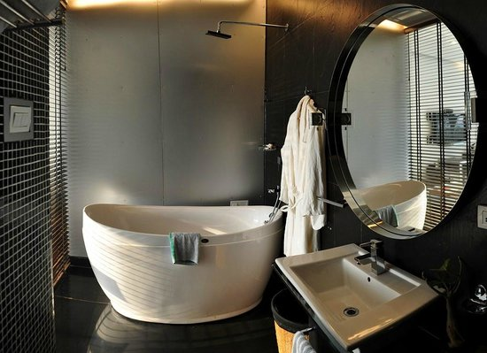 360 Degree Beach Retreat: bathroom