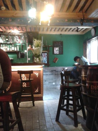 Dragon King Hostel: il bar