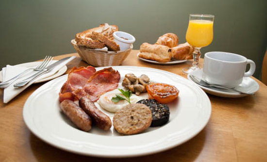 Alcock & Brown Hotel: Breakfast