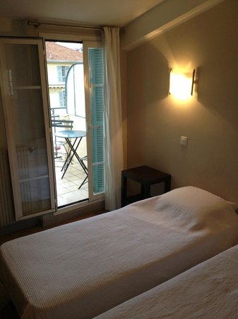Hotel Solara: Recently refurbished room