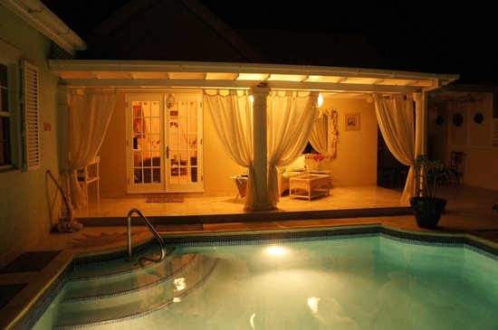 Bottom Bay, : Pool lit by night