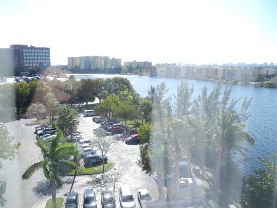 ‪‪Homewood Suites Miami-Airport / Blue Lagoon‬: View of the lagoon‬