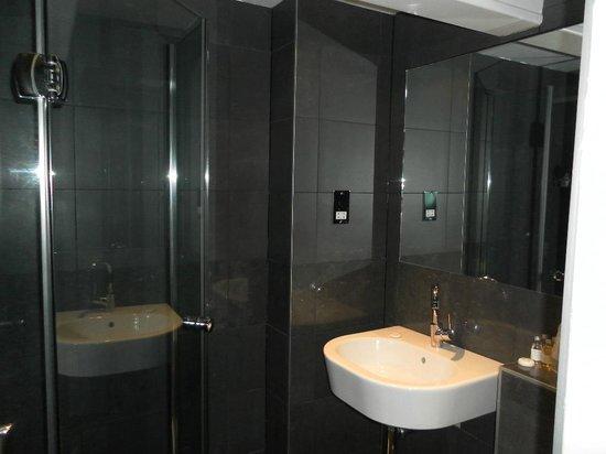 Galaxie Hotel: bagno camera singola