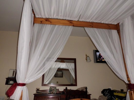 Foxford, Ireland: Four Poster Room