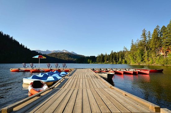 Gold Bridge, Canada : Explore Tyaughton Lake by boat