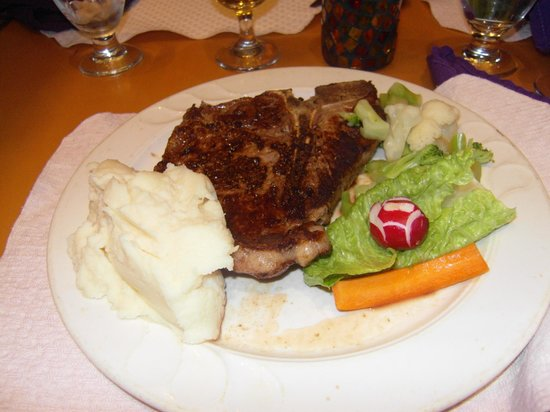 Canyon Plaza Resort: Steak