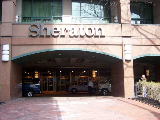 Sheraton Boston Hotel: front of hotel