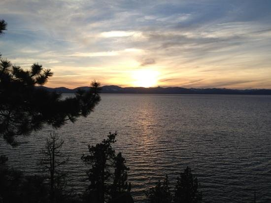 Stardust Lodge: Beautiful Lake Tahoe sunset