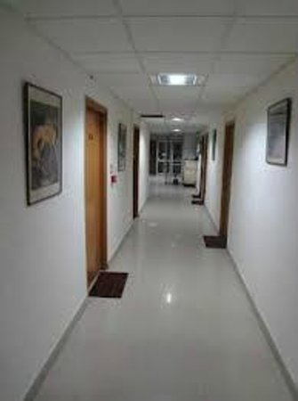 IYH New Delhi (International Youth Hostel): The well maintained corridors on the YIHA