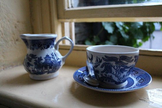 Bishops Castle, UK: lovely coffee/tea set