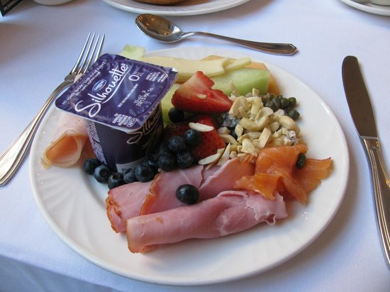 Old Mill Toronto: continental breakfast fabulous