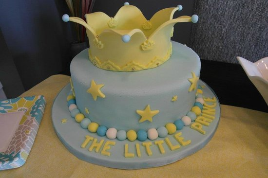 Aylmer, Canadá: The Little Prince (custom cake for baby shower)
