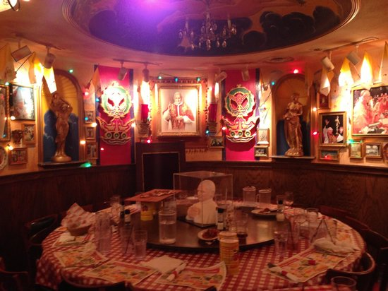 Pope Room Picture Of Buca Di Beppo Washington Dc