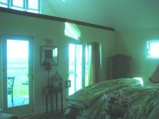 Lakefront Bed And Breakfast Finger Lakes