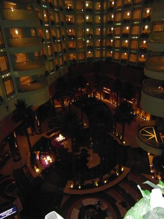 Jeddah Hilton Hotel: Internal view of hotel