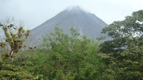 Hotel Magic Mountain: View of Arenal Volcano