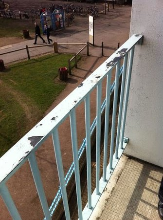 University Arms Hotel: balcony in desperate need of a bit of paint !! walls could do with some attention too!!