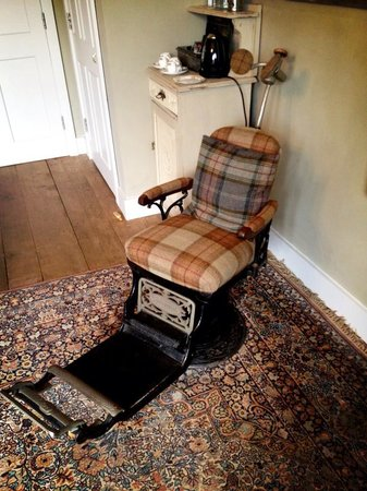 Ticehurst, UK: Original harvard dentists chair...