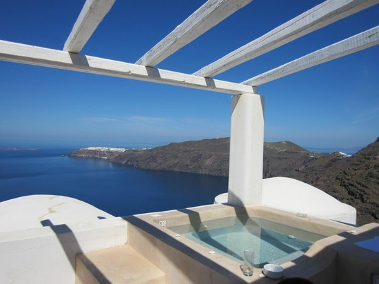 Rocabella Deluxe Suites & Spa Santorini: A fabulous view from our private balcony