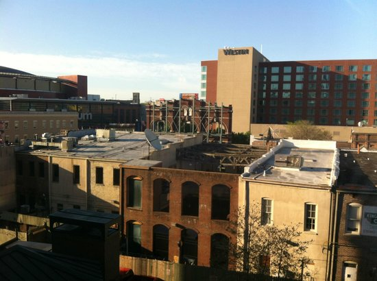 Hampton Inn & Suites Memphis - Beale Street: Backview of Beale Street