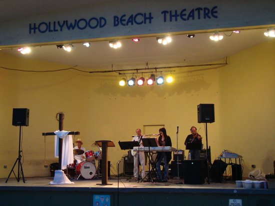Hollywood Beach Tower: Easter sunrise service was beautifull