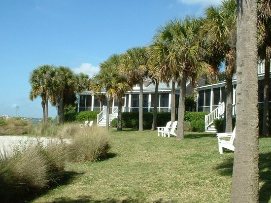 The Cottages on Charleston Harbor: Bay side of cottages