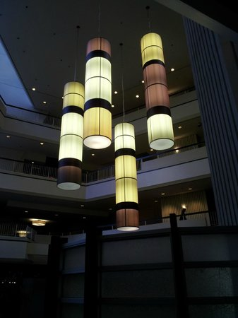 Hilton Atlanta: retro lighting