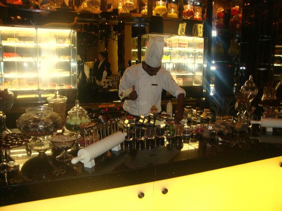One&amp;Only The Palm Dubai: STAY restaurant dessert station