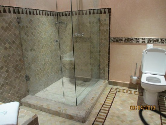 Al Fassia Aguedal: Bathroom - Rain Shower