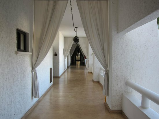 Bahia Hotel &amp; Beach Club: Hallway