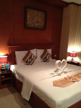 Palm Beach Hotel Phuket: bedroom