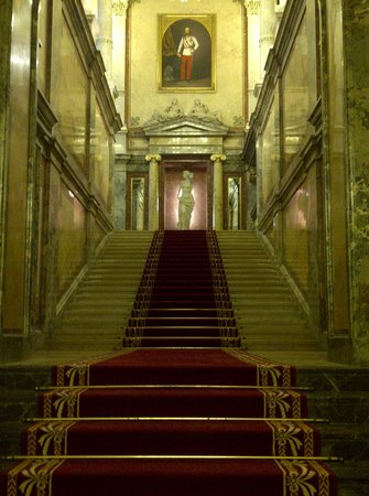 Hotel Imperial Vienna: great staircase which the king Franz Josef already walked on