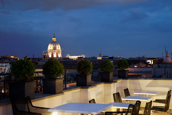 The First Luxury Art Hotel: Roof Terrace view