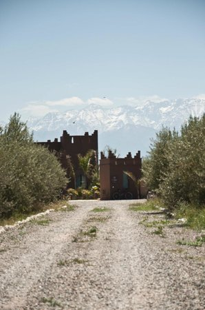 Kasbah Igoudar: Atlas Mountains backdrop