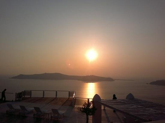Rocabella Deluxe Suites & Spa Santorini: view on the caldera