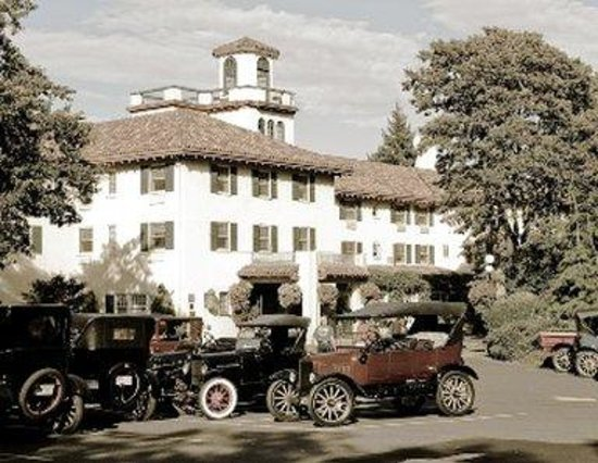 Columbia Gorge Hotel: Historical Hotel