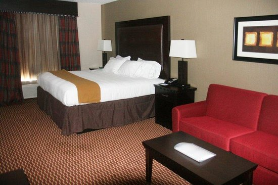 Holiday Inn Express Newington: Single King Bed Guest Room