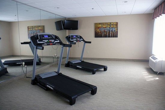 Holiday Inn Express Newington: Fitness Center
