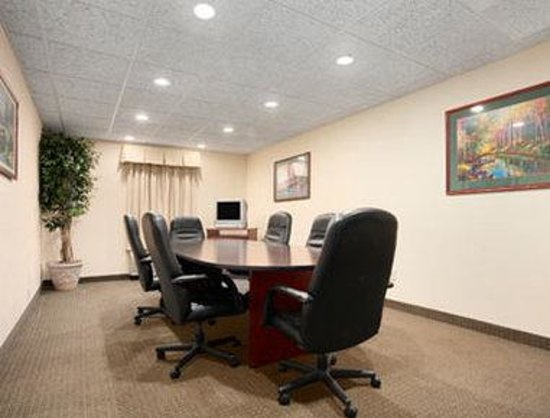 Howard Johnson Jackson North Ridgeland: Meeting Room