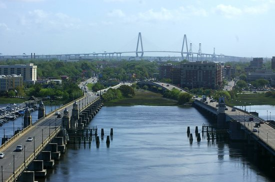 Holiday Inn Charleston Riverview: View from the restaurant