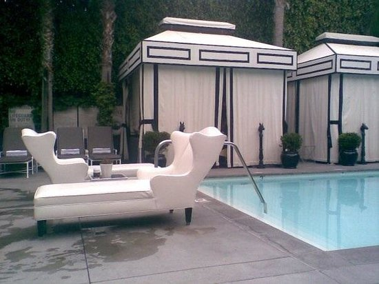 ‪‪Viceroy Santa Monica‬: Pool side‬