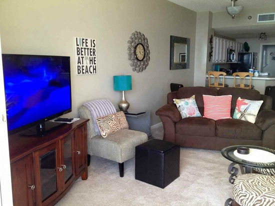 The Beach Club: Nice living room of condo - Doral 1104