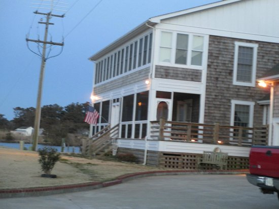 Colington Creek Inn: Front of the Inn