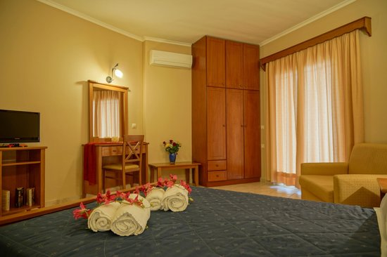 Arkadia Hotel: Deluxe Double and Triple Room