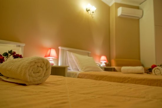 Arkadia Hotel: Deluxe Suite And Jacuzzi suite childrens room