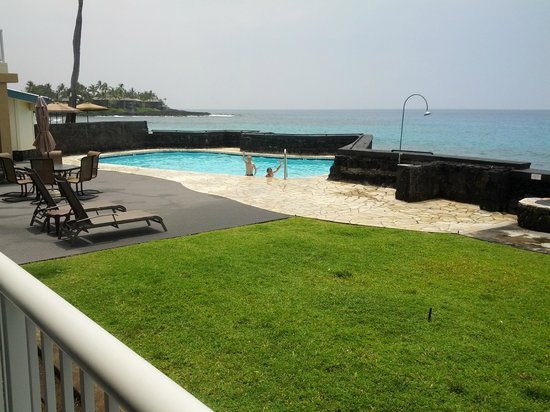 Kona Magic Sands: View from room and pool