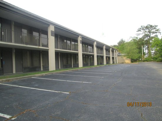 Days Inn Tallahassee Northwest: outside