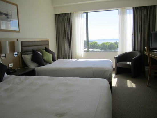 Novotel Rotorua Lakeside: 'Superior' lake view room