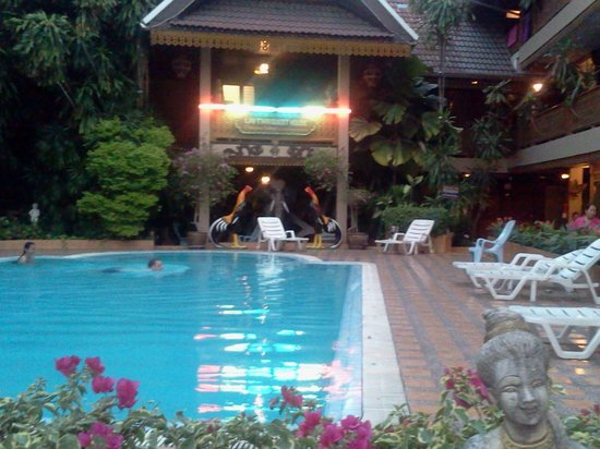 Lai-Thai Guest House: Swimming pool